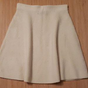 Adrienne Vittadini off white mini skirt sz xs.